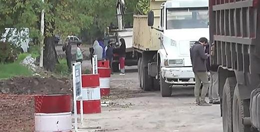 Ambientalistas intentan impedir la continuidad de obras en calle Racedo