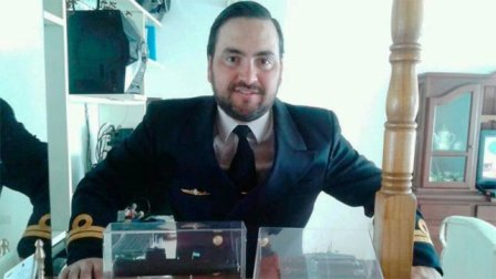 Fernando Mendoza, teniente de navío oriundo de Concordia.